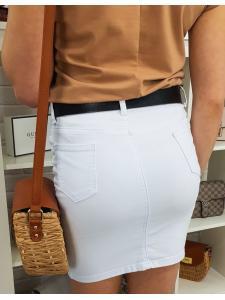 Hladká biela sukňa