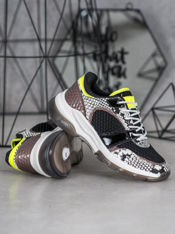 Pohodlné sneakersy s hadím vzorom