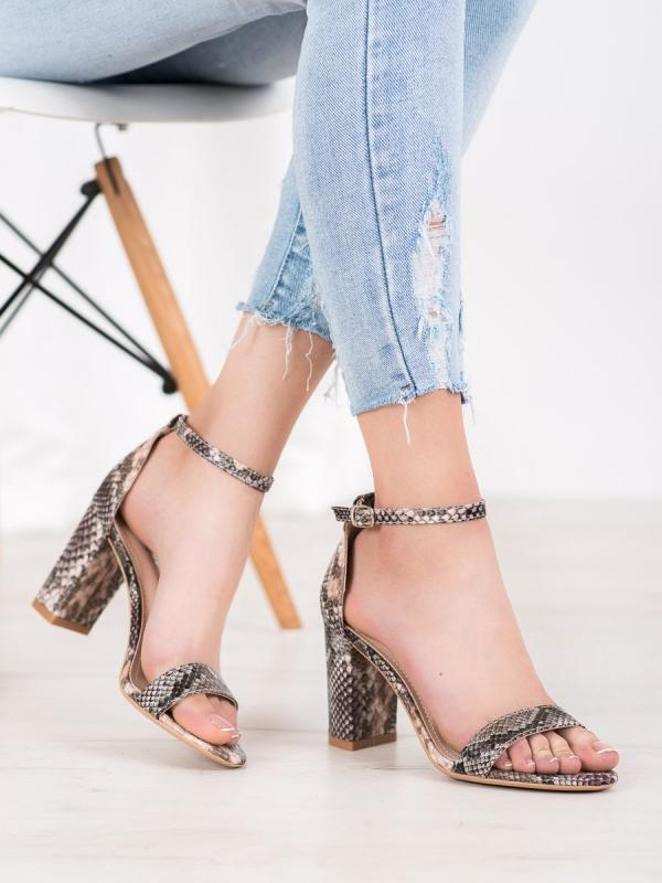 Sexy sandálky s hadím vzorom