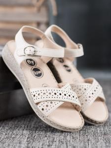 Ľahké sandálky na platforme