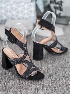 Pletené sandálky na stĺpci