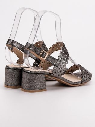Šedé sandále na podpätku