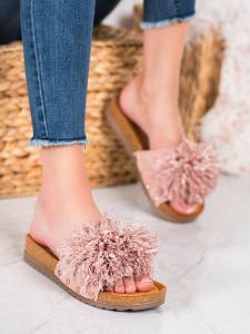 Ružové šľapky so strapcami