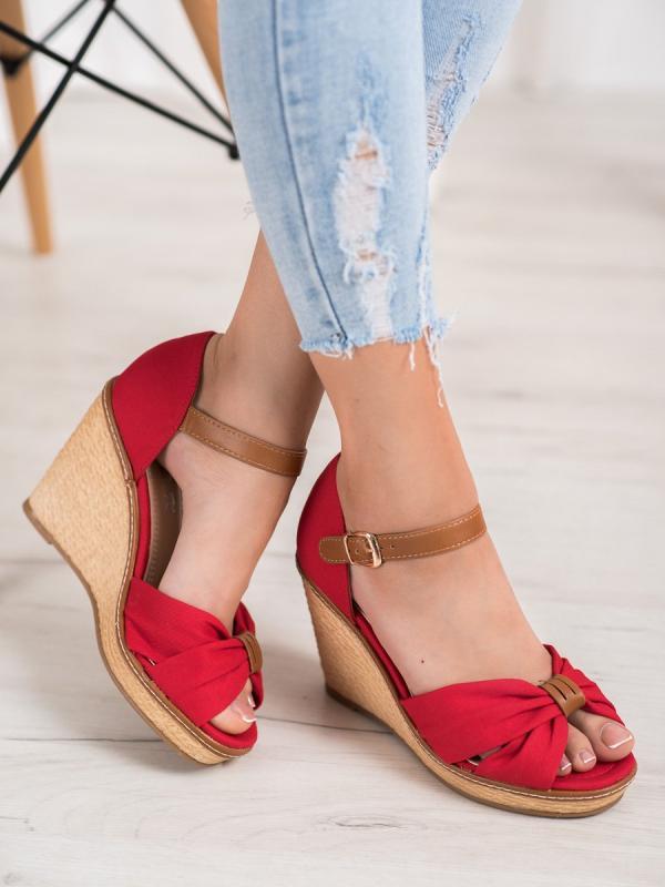 Sandálky na vysokom kline