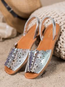 Nazúvacie strieborné sandálky