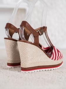 Pruhované sandálky na kline