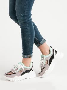 Priesvitné sneakersy na platforme