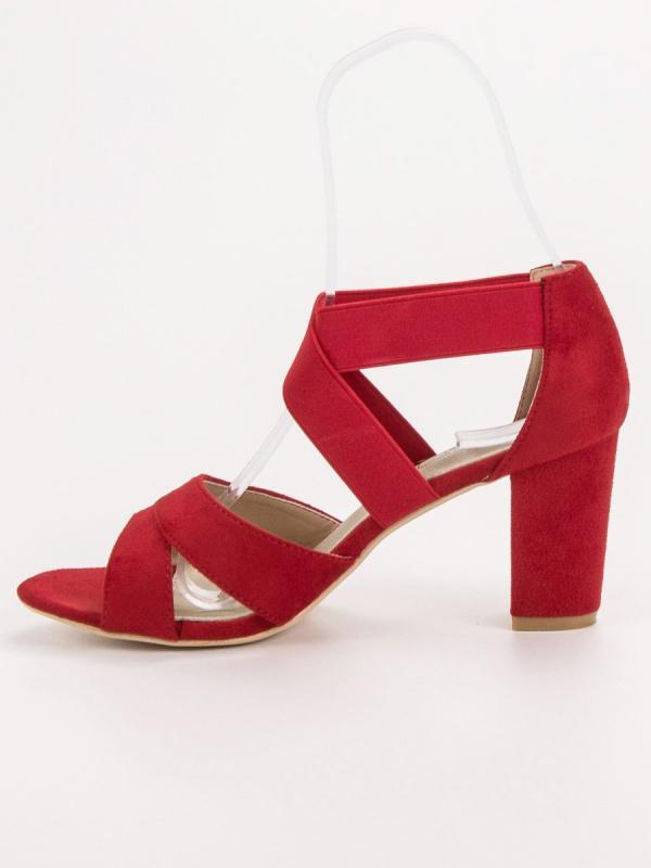 Červené nazúvacie sandále