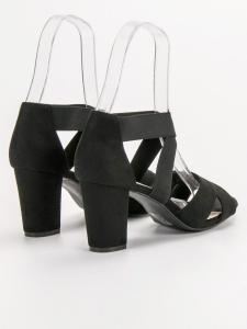 Čierne nazúvacie sandále
