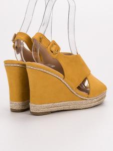 Semišové sandále na kline