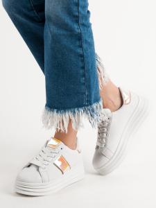 Biele topánky na platforme
