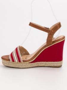 Neformálne sandále na kline