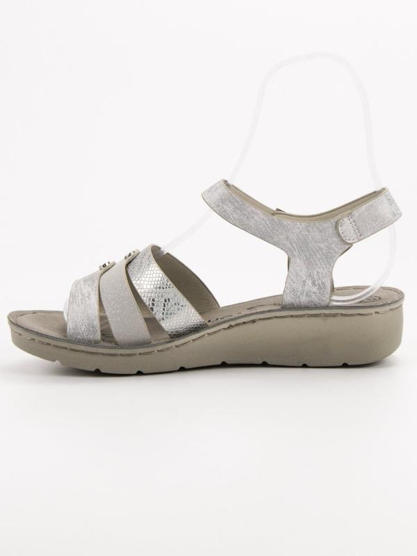 Strieborné sandále