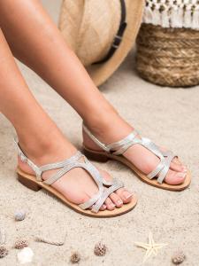 Sandále na podpätku