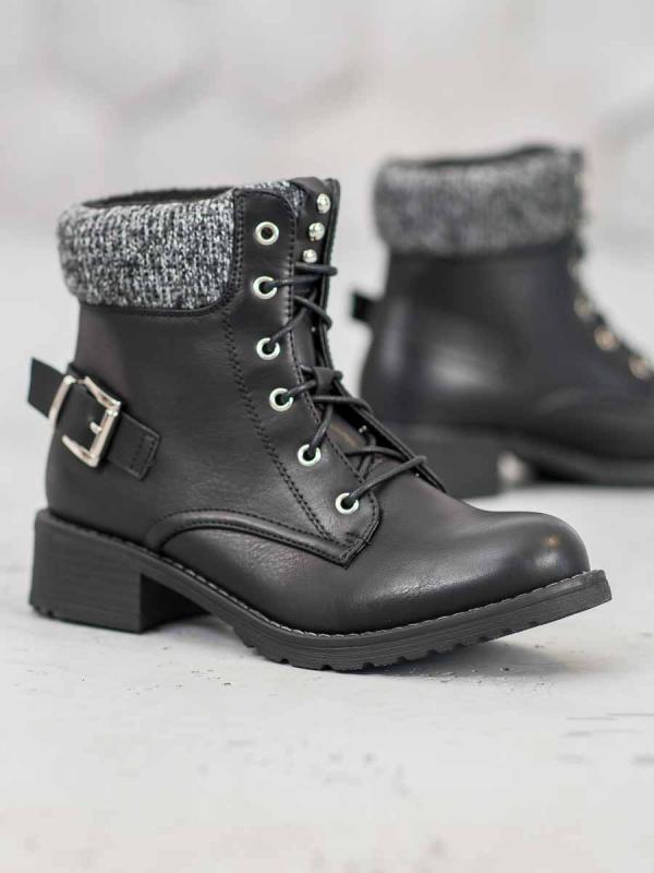 Členkové topánky na šnurovanie v čiernom odtieni